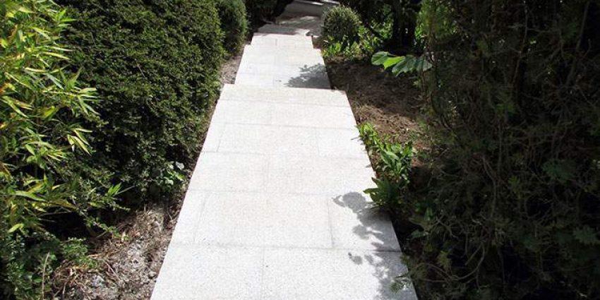 Réalisation d'une terrasse et d'un escalier extérieur