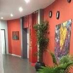 Transformation et rénovation couloir accès loft large