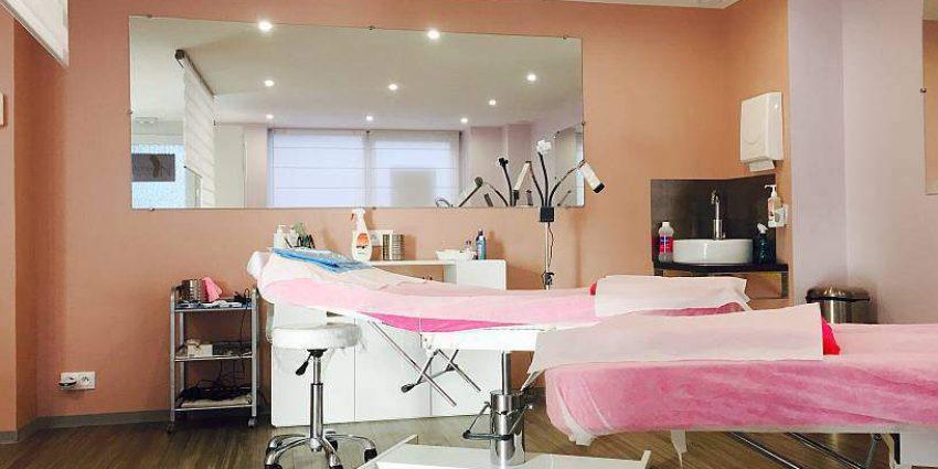Rénovation et transformation d'un institut de beauté en centre maquillage