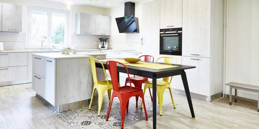Rénovation et Décoration d'une entrée, séjour et cuisine d'une maison individuelle